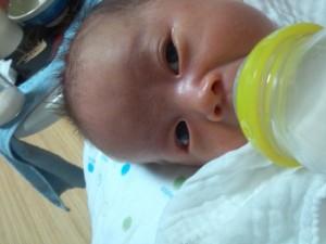 赤ちゃん 二重4